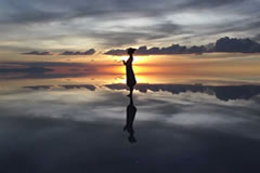 Sunset inside the Uyuni Salt Flat. Don't miss this in your tour!