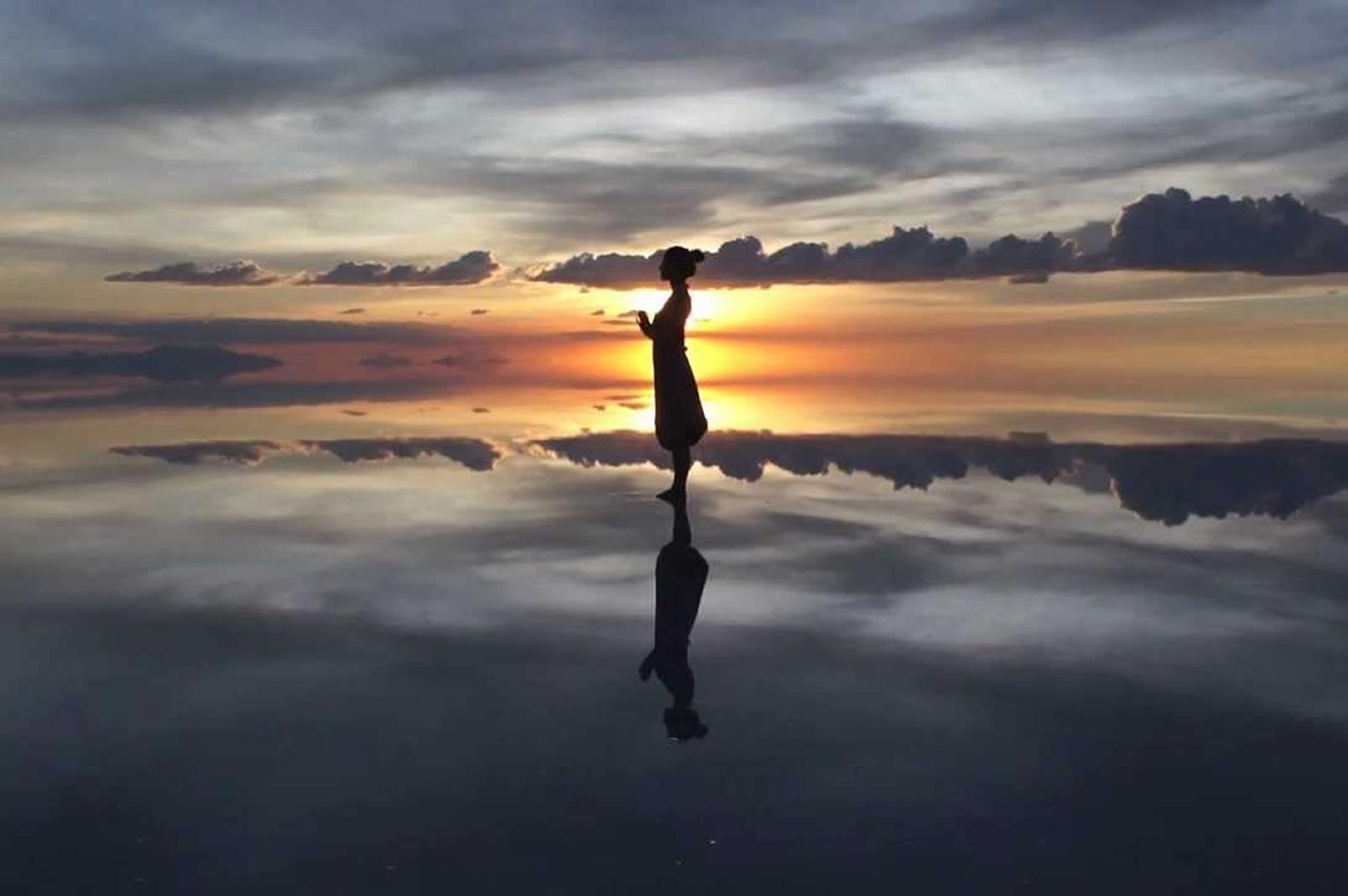 Uyuni Salt Flat Twilight Reflections And Stargazing Tour