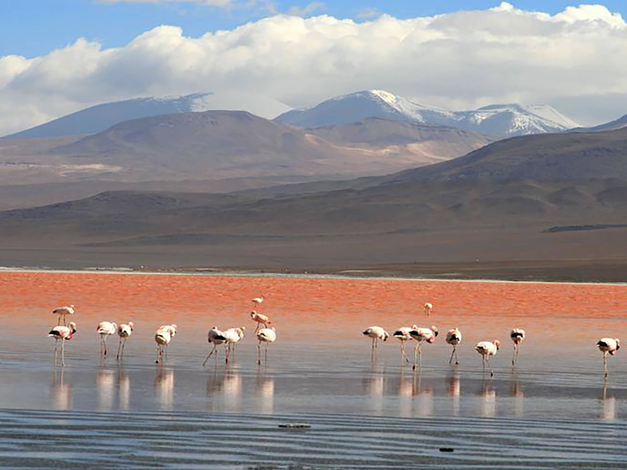 In winter, the mountains around the Red lagoon are coverd by snow